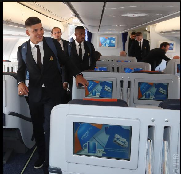 Mourinho cùng 25 tuyển thủ M.U lên đường sang Trung Quốc - ảnh 15