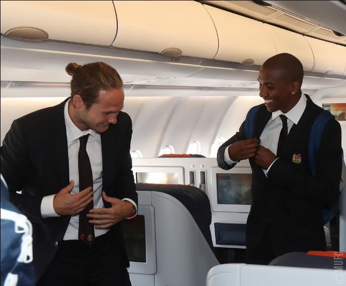 Mourinho cùng 25 tuyển thủ M.U lên đường sang Trung Quốc - ảnh 16