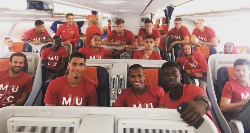 Mourinho cùng 25 tuyển thủ M.U lên đường sang Trung Quốc - ảnh 17
