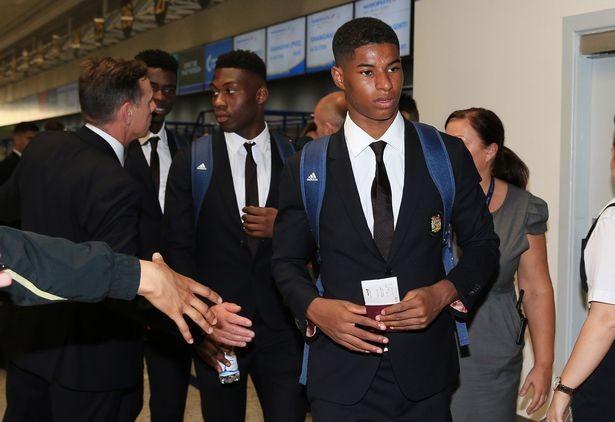 Mourinho cùng 25 tuyển thủ M.U lên đường sang Trung Quốc - ảnh 9