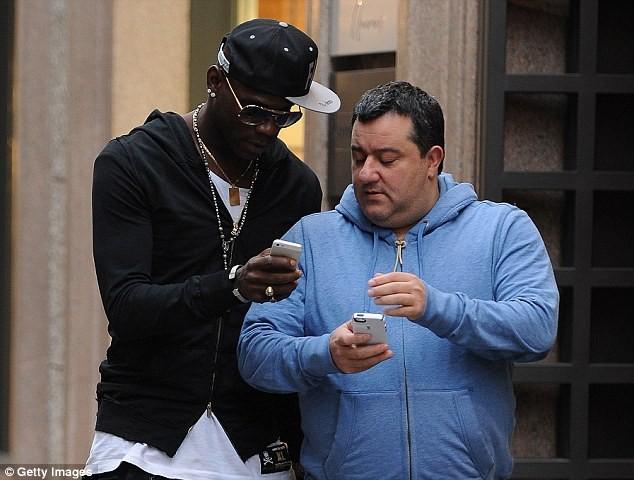 'Siêu cò' Mino Raiola sẽ đưa 'ngựa chứng' Balotelli về với thành Turin? - ảnh 1