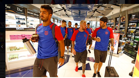 Các sao Barca tại sân bay Birmingham