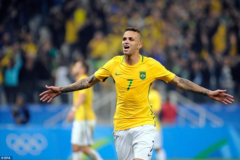 Neymar và trận thắng đầu tiên nhuốm màu bạo lực - ảnh 10