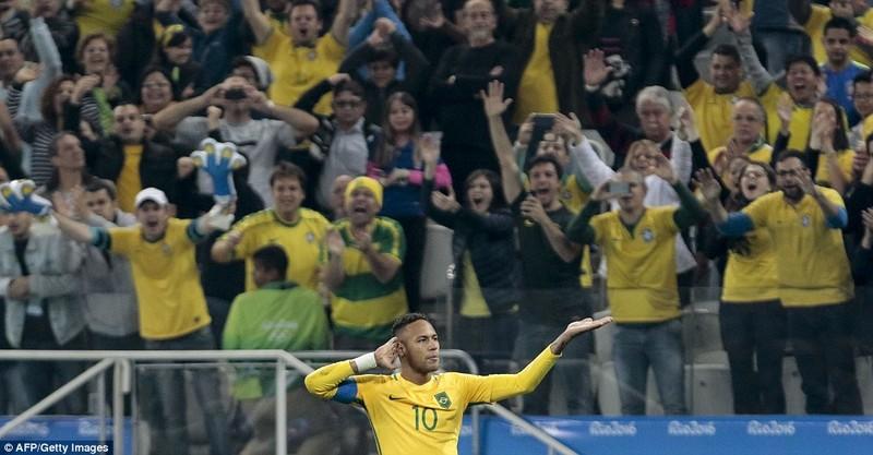 Neymar và trận thắng đầu tiên nhuốm màu bạo lực - ảnh 4