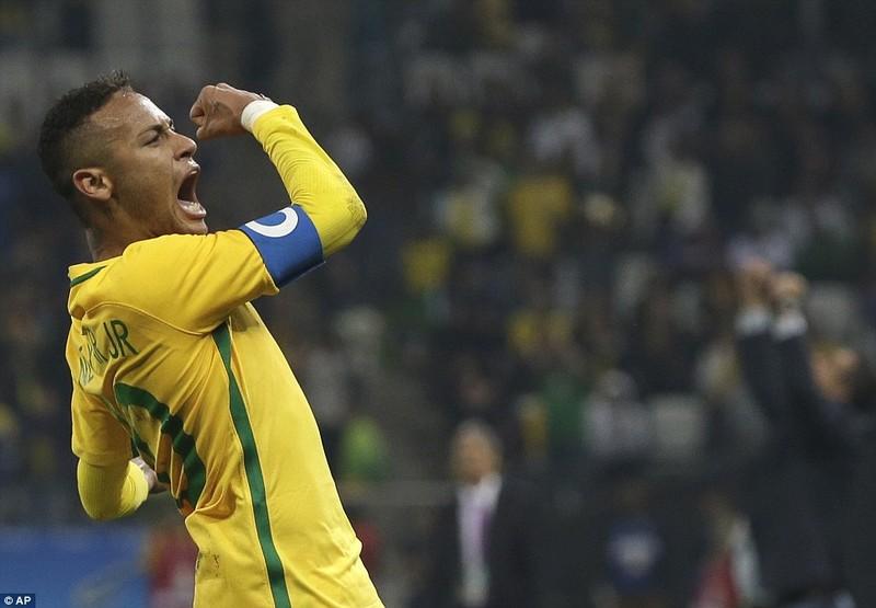 Neymar và trận thắng đầu tiên nhuốm màu bạo lực - ảnh 1