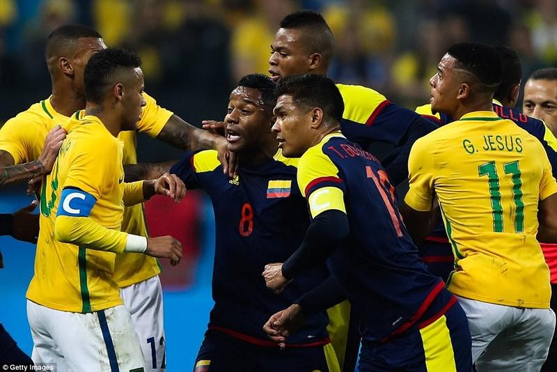 Neymar và trận thắng đầu tiên nhuốm màu bạo lực - ảnh 9