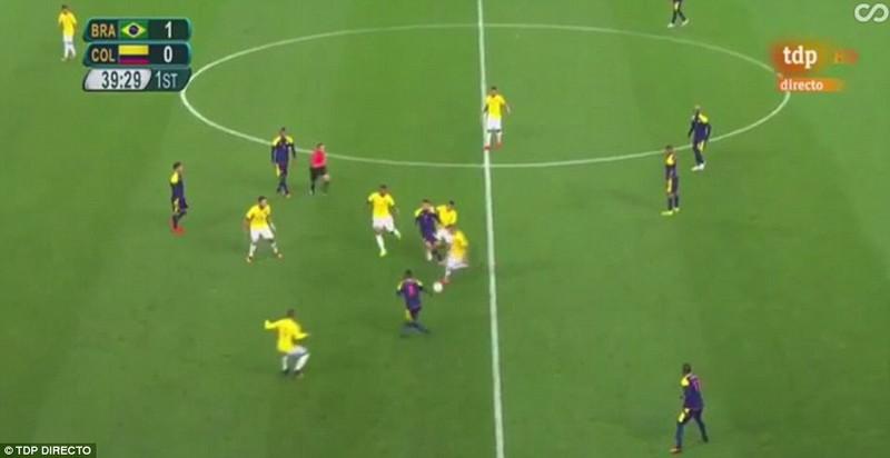 Neymar và trận thắng đầu tiên nhuốm màu bạo lực - ảnh 5