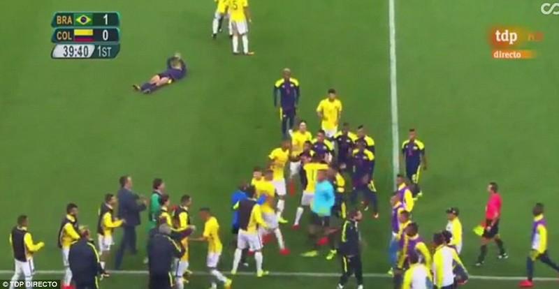 Neymar và trận thắng đầu tiên nhuốm màu bạo lực - ảnh 7