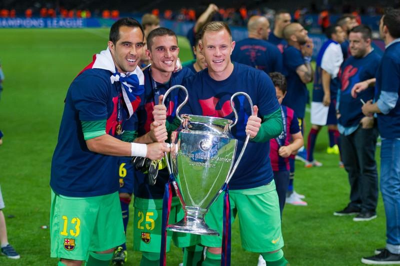 """Claudio Bravo và những thành công tại La Liga với """"gã khổng lồ Barcelona"""""""